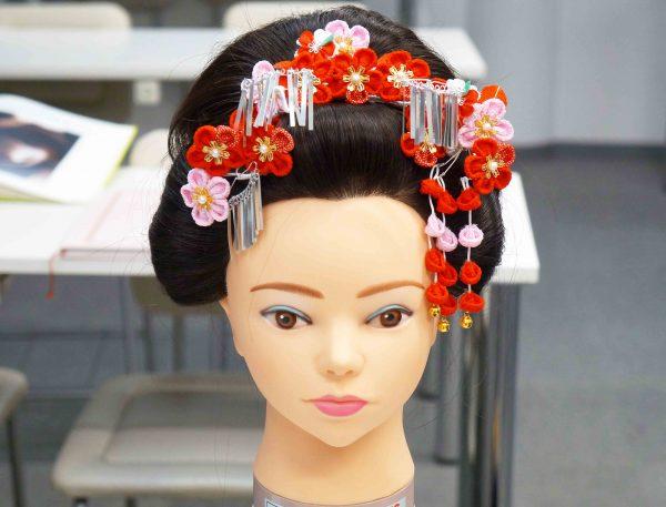 レトロでおしゃれな新日本髪レッスン